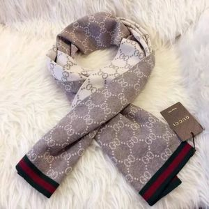Gucci GG 100% Wool Reversible Coffee/Ivory Scarf